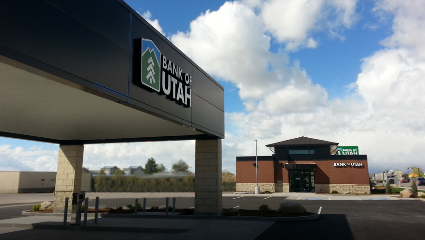 Photo of new Bank of Utah Roy Branch, completed construction.